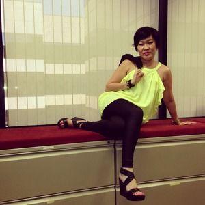 H&M Dresses & Skirts - A beautiful neon yellow/green dress