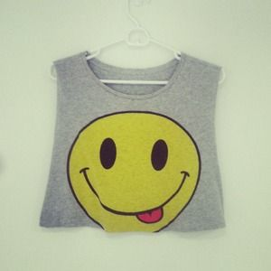 Tops - Cropped Smiley Muscle Tank