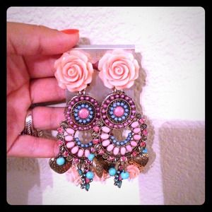 Fashion earrings..