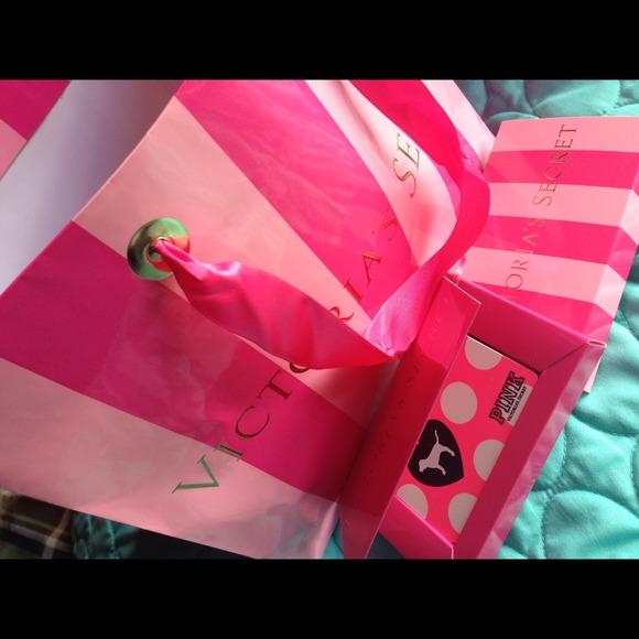 Victorias secret other sold 50 victorias secret gift card w gift m51f0e7ec7aea0b4f0e00e93a negle Gallery