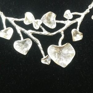 Trumpet leaf necklace and post earrings.NWT for sale
