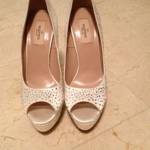 Brand new never used Valentino heels