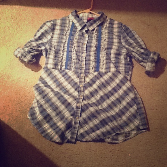 Look Hearts Tops - Button Up Flannel