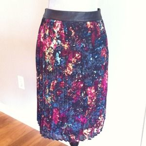 Mossimo Dresses & Skirts - Pleated floral skirt