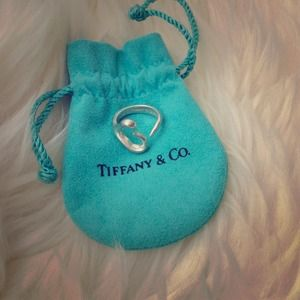 Authentic Tiffany & Co Elsa Peretti ring