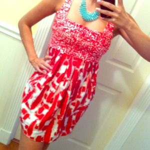 *Price reduced* Pretty red and white dress