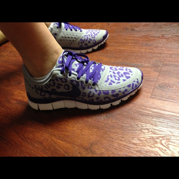 Leopard and purple purple leopard nike shoes nike shoes free 2-day shipping on millions of leopard and purple nike air max 90 nike air force camo gs panda black nike shoes items. Product rating of women's nike free out of nike nike free 5 kids free 5 purple leopard .