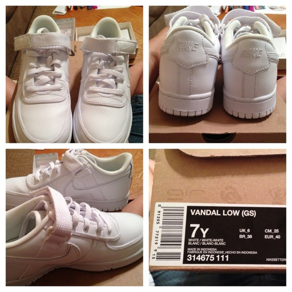 Nike Shoes   Reserved White Nikes With
