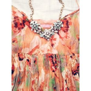 XX BUNDLEDXX GIANNI BINI silk floral top.