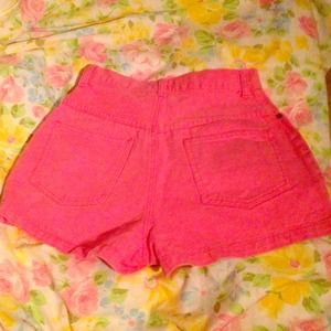 Neon Pink Vintage High-Waisted Denim Shorts 🎒