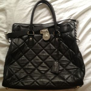 Michael Kors Tote Hamilton, black quilted leather