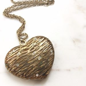 Forever 21 Gold Heart Pendant Necklace