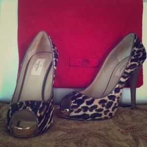 *REDUCED! Authentic Valentino pumps-Sz 36.5