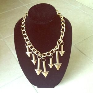 BUNDLED⚠Gold Arrow Chain Necklace 