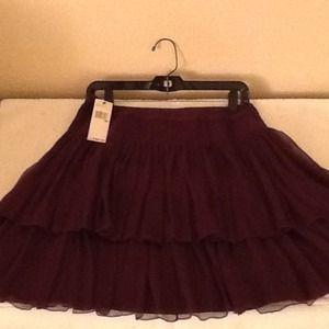 NEW! DKNY short silk tiered ruffled skirt (Size 6)