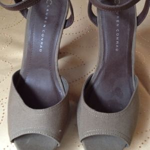Lauren Conrad  Shoes - Lauren Conrad ankle straps
