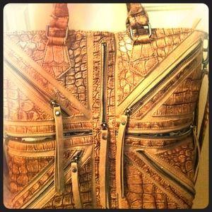 Urban Expressions tan printed bag