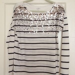 Never worn Ann Taylor Loft long tee w sequins