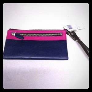 Brand new Coach legacy zippy wallet