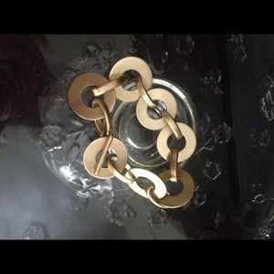 Jewelry - Toggle bracelet in brushed gold