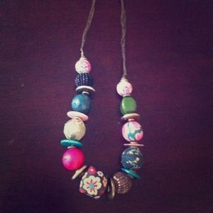 Multicolored beaded necklace 
