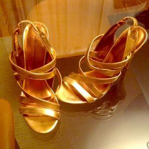 $60 TONIGHT Diane Von Furstenberg gold heels