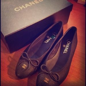 ❌ SOLD ❌ Authentic Chanel Flats