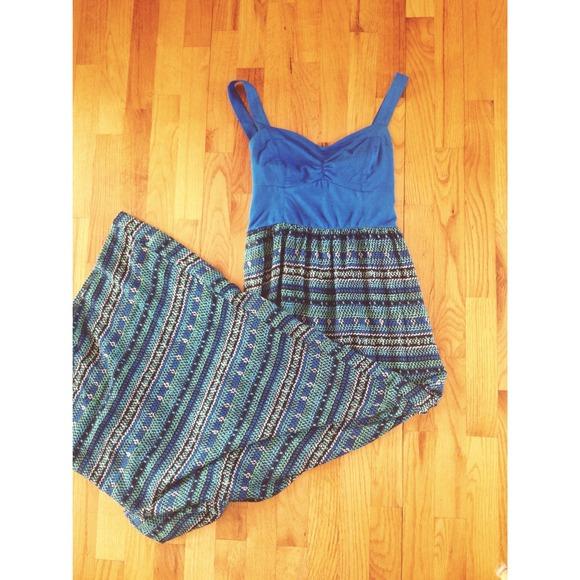 733c7ccfc6c 🎀Traded🎀 Blue Pattern Maxi Dress. NWT. Mudd