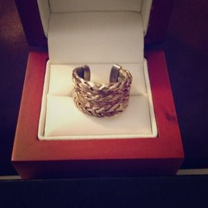 Jewelry - ❌SOLD❌Real gold braided ring