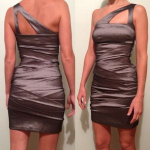 Adrianna Papell Dress. NWT.