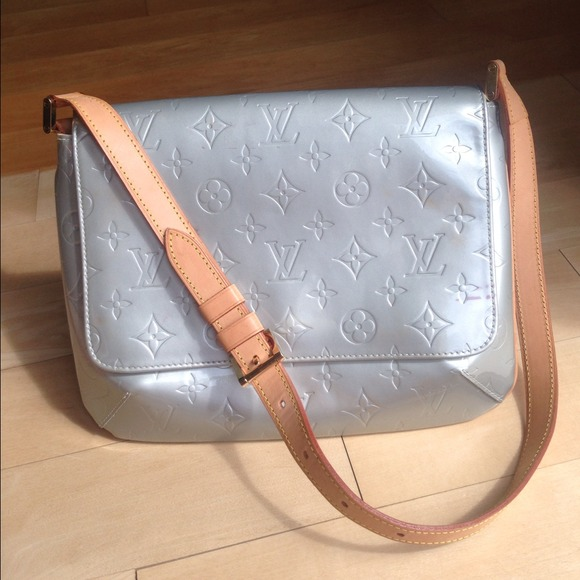 d659e53f40b4 Women s Louis Vuitton Thompson Street Bag on Poshmark