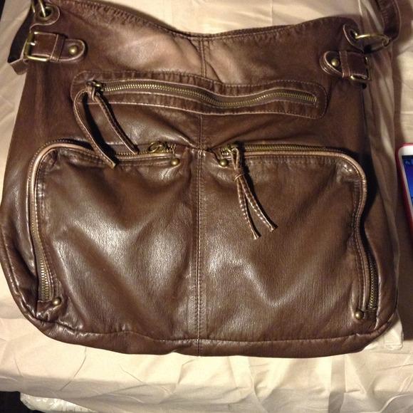 d539f4ac634 Mossimo crossbody brown bag. M 51fc6f5c63428063bb051737