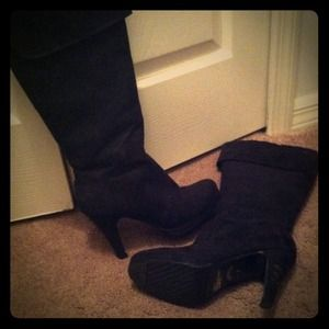 traffic Boots - black knee high suede boots