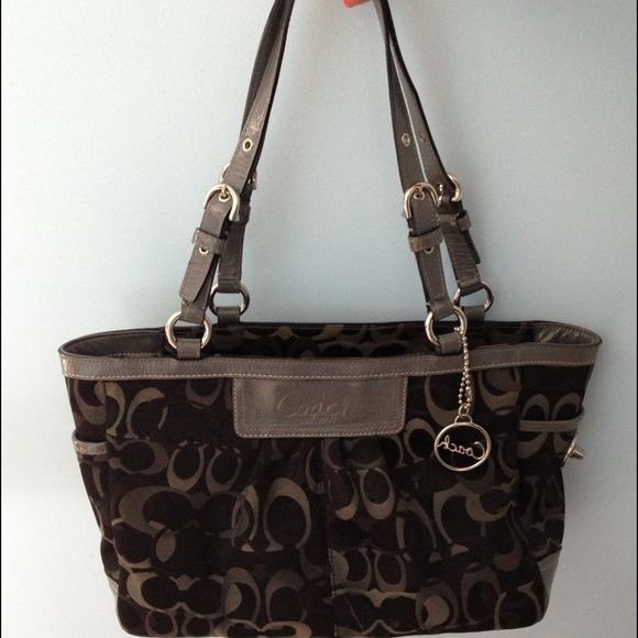 coach gray bag ezak  Black/gray coach purse