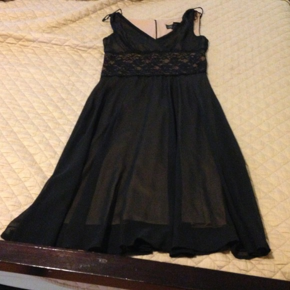 Size 8 black dress mid