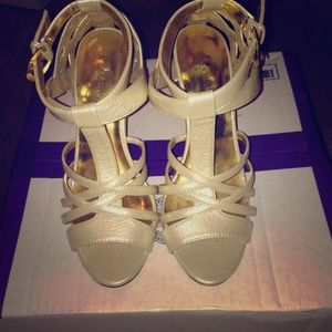 Shoedazzle Shoes - Faux Snakeskin Strappy Stilettos in a Gold/Taupe!