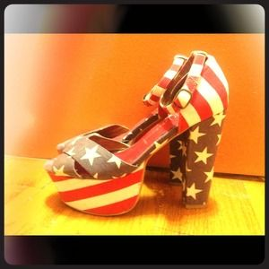 Jeffrey Campbell American flag