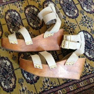 Urban Outfitters wedges sz 7