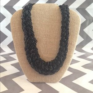 All bead black necklace