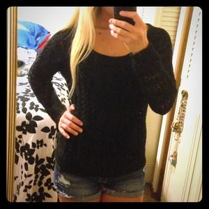❌✔Bundled! AE black knit sweater and coral sweater