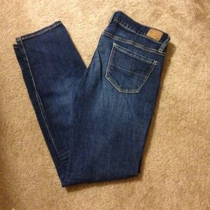 ✔❌ Sold! American Eagle skinny style jeans
