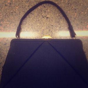 Handbags - Vintage clamp purse!