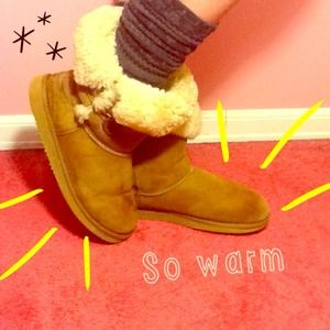 Shoes - ⛄️❄️SHEEPSKIN BOOTS warm roll down button UGG like