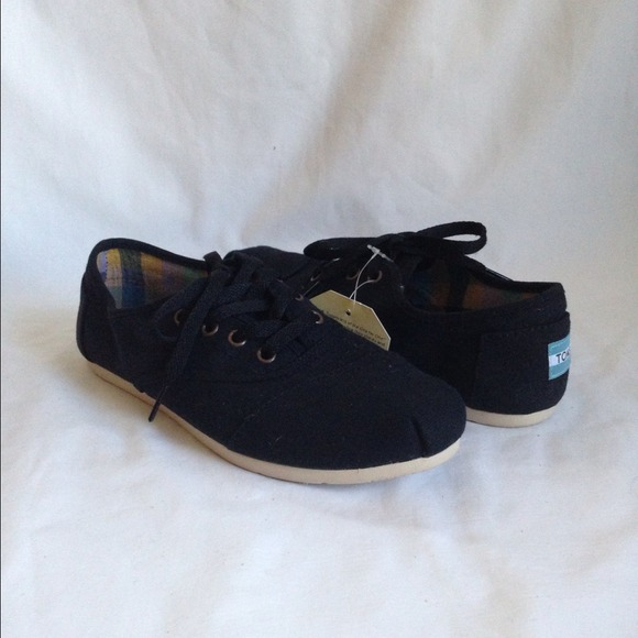 Gallery For > Black Toms Shoes With Laces