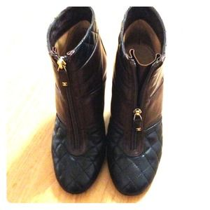 Short boots (Chanel) SOLD