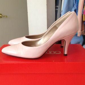 Baby pink Bandolino heels