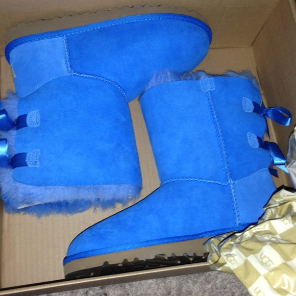 f52fc9d86ba Bailey bow UGG blue! secret GIFT with purchase**** NWT