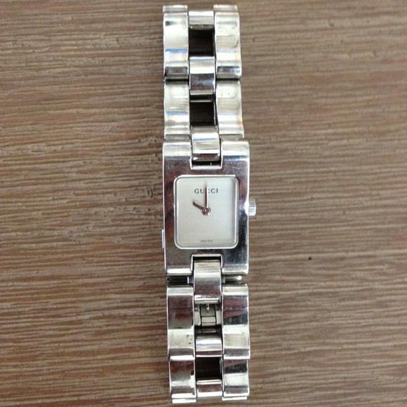 4b74de3ee22 Gucci Jewelry - Gucci 2305L watch