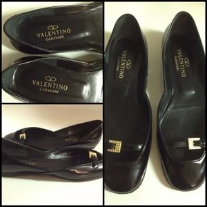  VALENTINO Authentic Black Leather Ballet Flats