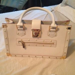 Louis Vuitton Cream Suhali Leather Studded '